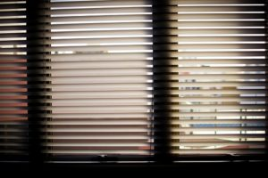 Why It's Beneficial to Use Motorized Window Blinds
